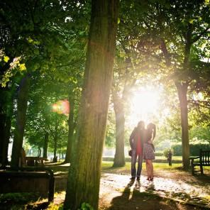 Portrait eines Paares im Park