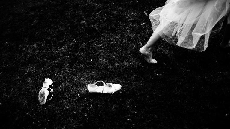 künstlerische Hochzeitsfotografie schwarz-weiss