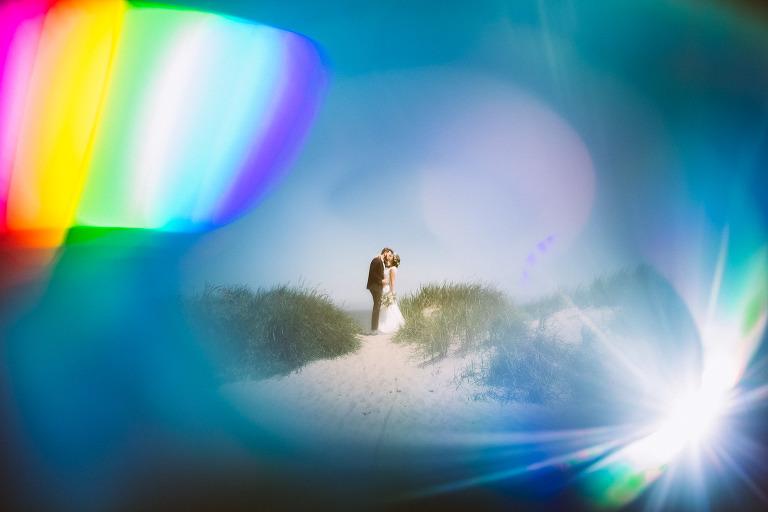 Portraitshooting von Braut und Bräutigam am Strand von Schillig, Wangerland, nach der Strandhochzeit