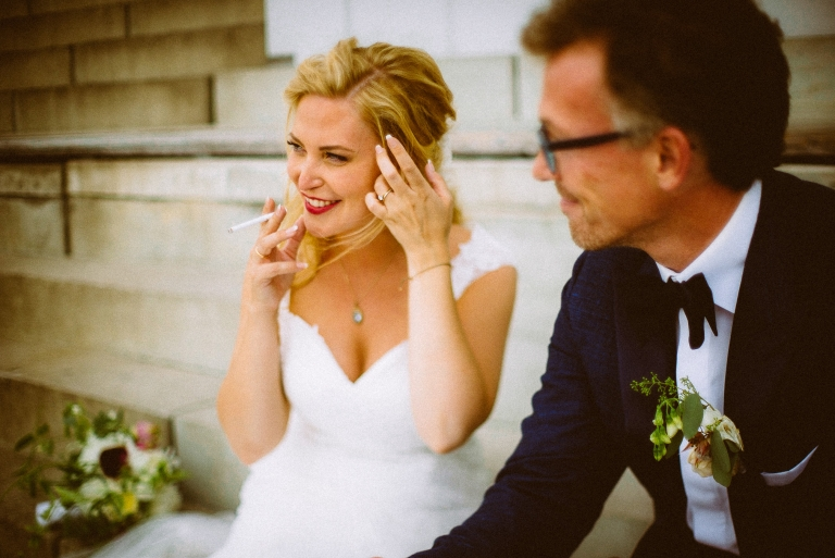Braut mit Zigarette, life-style